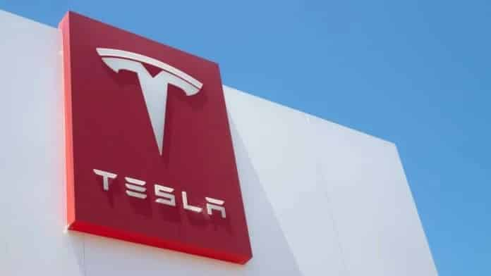 India Considers Sharp Import Tax Cuts on EVs After Tesla Lobbying: Report
