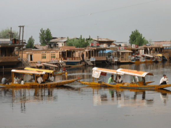 Dal lake : Shikara and House Boat