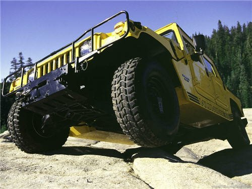 hummer-on-hills-different-angle