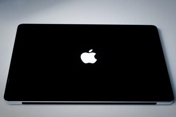 仕事用のMacbook Pro 15インチの紹介 〜最新モデルではなく2015 retina〜