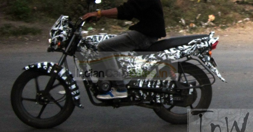 Spy Pics: 2015 Bajaj Platina spied camouflaged