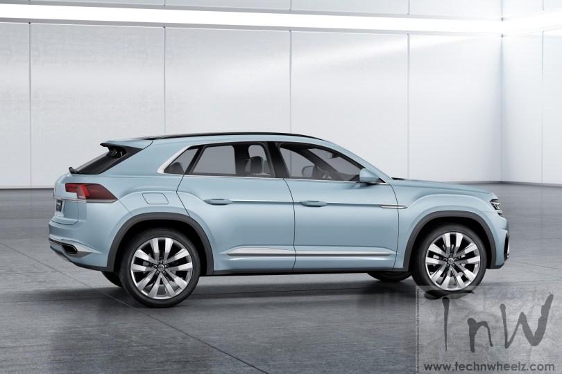 Volkswagen Cross Coupé GTE side