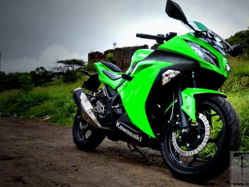 Image Gallery: Kawasaki Ninja 300 reviewed