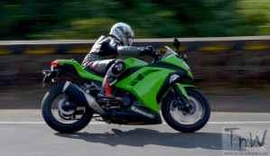 Kawasaki Ninja 300.  A sports bike for beginners?