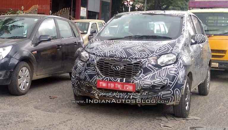 Datsun redi-Go prototype spied. To be unveiled @ 2016 Delhi Expo*
