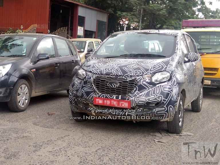 Datsun redi-Go prototype spied. To be unveiled @ 2016 Delhi Expo*