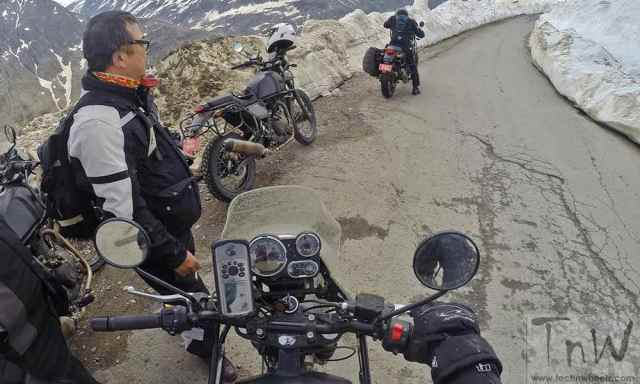 Royal Enfield Himalayan official  (4)
