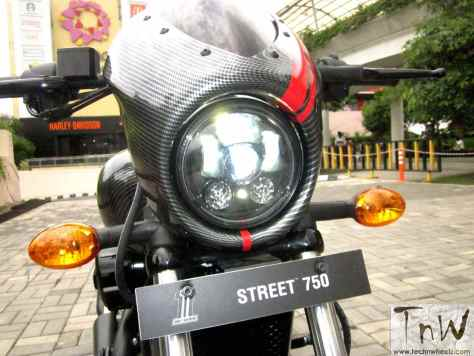 SR750 Café- Harley-Davidson Street 750 custom head lamp
