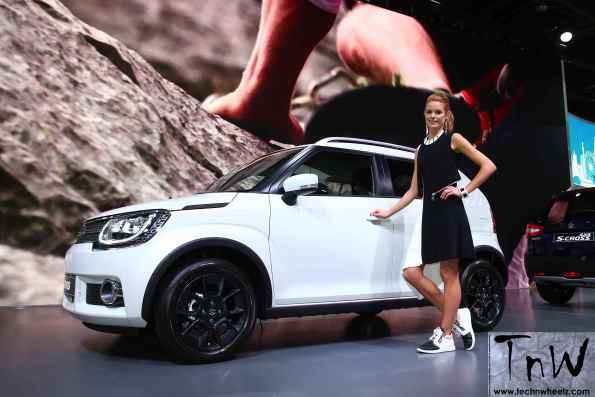 Glamour at the 2016 Paris Motor Show