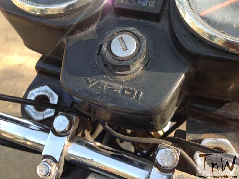 yezdi-350-twin-11