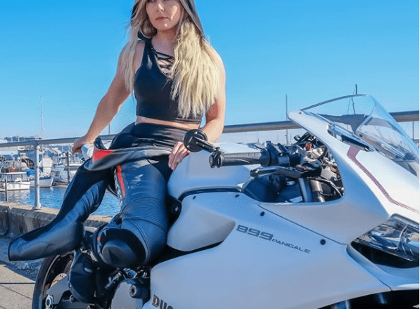 Women Motorcycle Diaries: Amber Spencer and her motorcycling stories