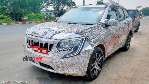 2021 Mahindra XUV500 spied. Gets LED headlamps and DRLs