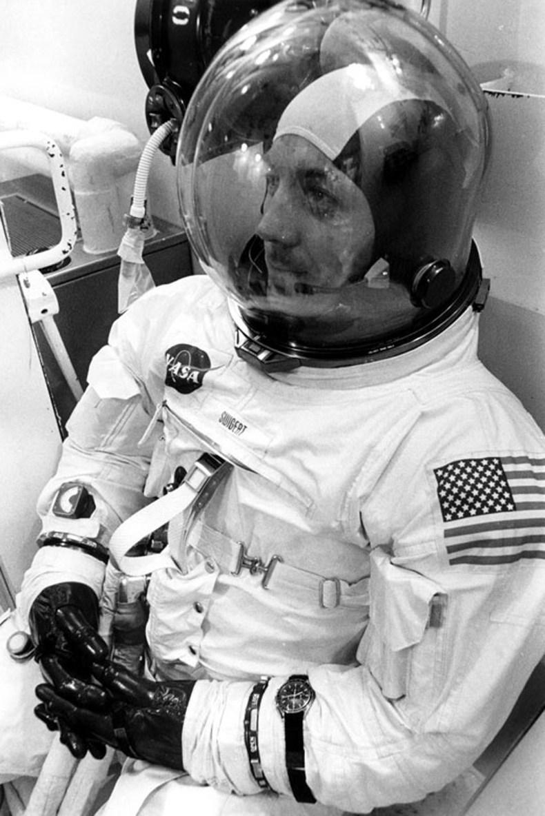 Ramus Jack Swigert prieš liūdnai pagarsėjusį Apollo 13 skrydį (šaltinis: http://en.wikipedia.org/)