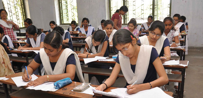 Uttarakhand UBSE Class 10 results 2017 will be declared on May 26 at uaresults.nic.in and it also be made available on SMSs (Photo/Agency)