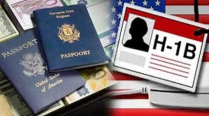 During this 11-year period, the US issued H-1B visas to 26 lakh people but the report hasn't provided countrywide breakdown. (Photo/Agency)