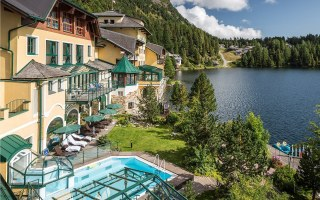 The Romantik Seehotel Jägerwirt in Austria looks lovely, but its remoteness does not protect it from cybercrime. (photo Romantik Seehotel Jägerwirt)