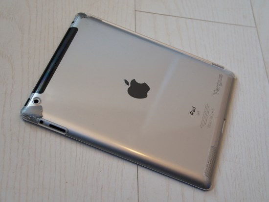 2-apple-ipad-targus-clear-back-cover