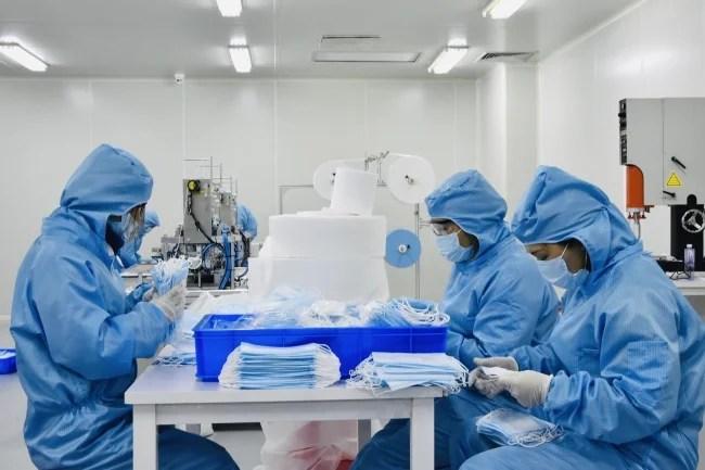 株式会社アピロス 不織布マスク製造工程