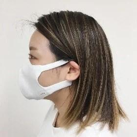 ストレッチ素材と無縫製で耳が痛くなりにくい
