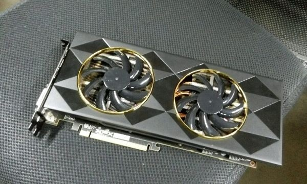 A Wild XFX Radeon R9 390 Double Dissipation Appeared | TechPorn