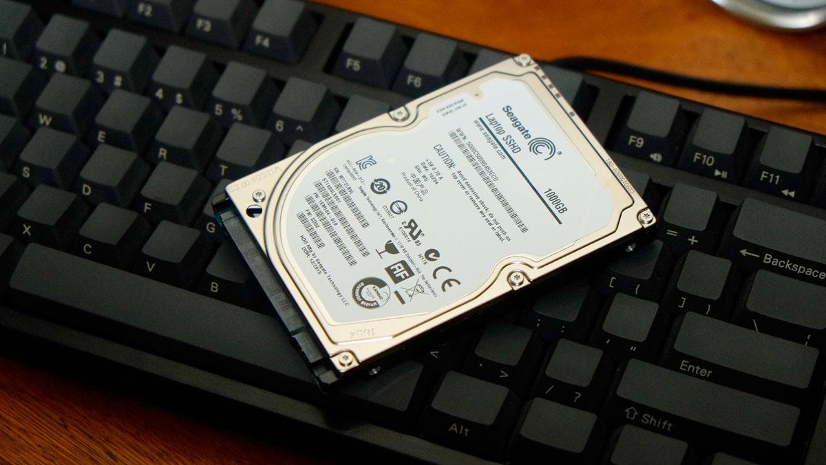 1TB Seagate SSHD ST1000LX001 Hybrid Drive Review | TechPorn