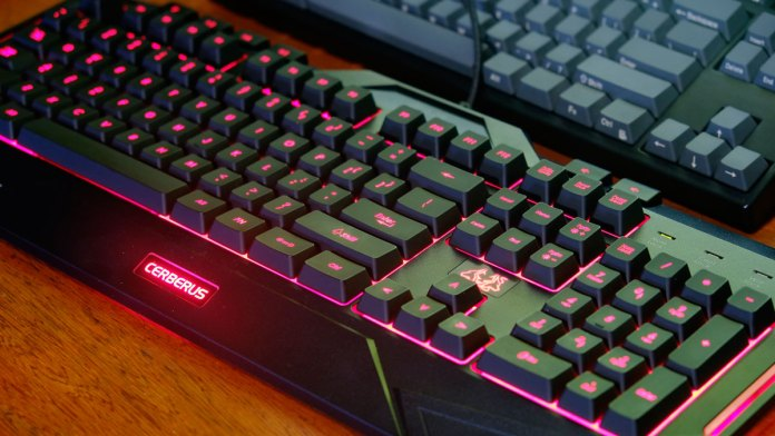 ASUS-Cerberus-Keyboard-Mouse-Review-(17)