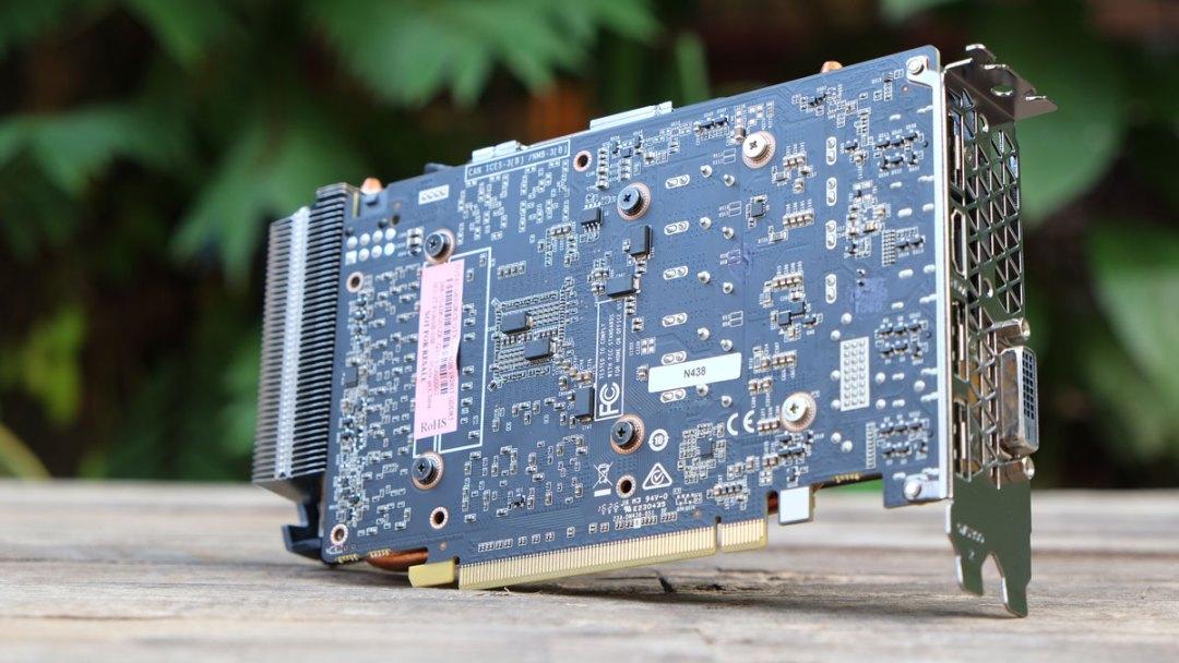 ZOTAC GTX 1060 AMP (10)