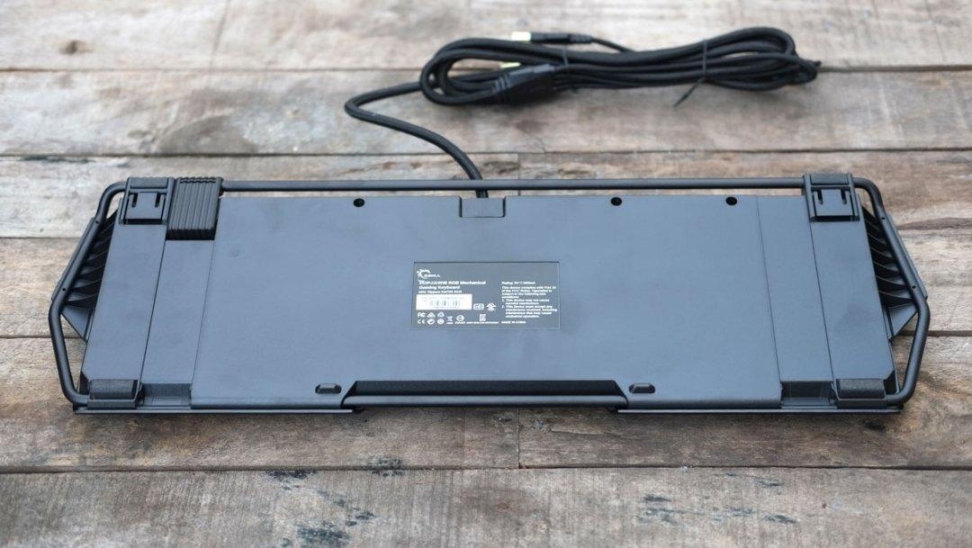 g-skill-ripjaws-km780-rgb-keyboard-16
