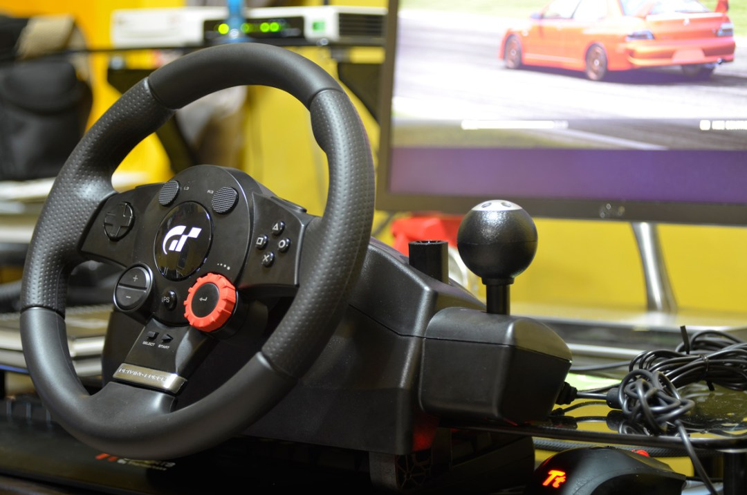 Logitech Gaming Driving Force GT (19)