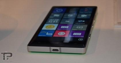 microsoft-dubai-lumia-930-3