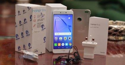Huawei Honor 8 Lite Unboxed
