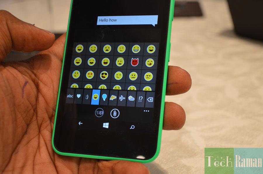 Lumia-630-keypad-emoticons