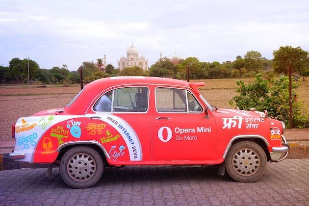 Opera drives around 'web-on-wheels' in Indian cities; offers free WiFi access