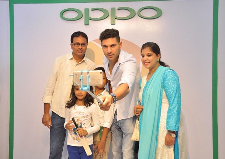 Yuvraj Singh promotes Oppo F1 Plus in Bangalore