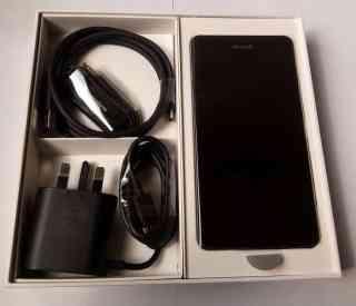 microsoft lumia 950 with accessories