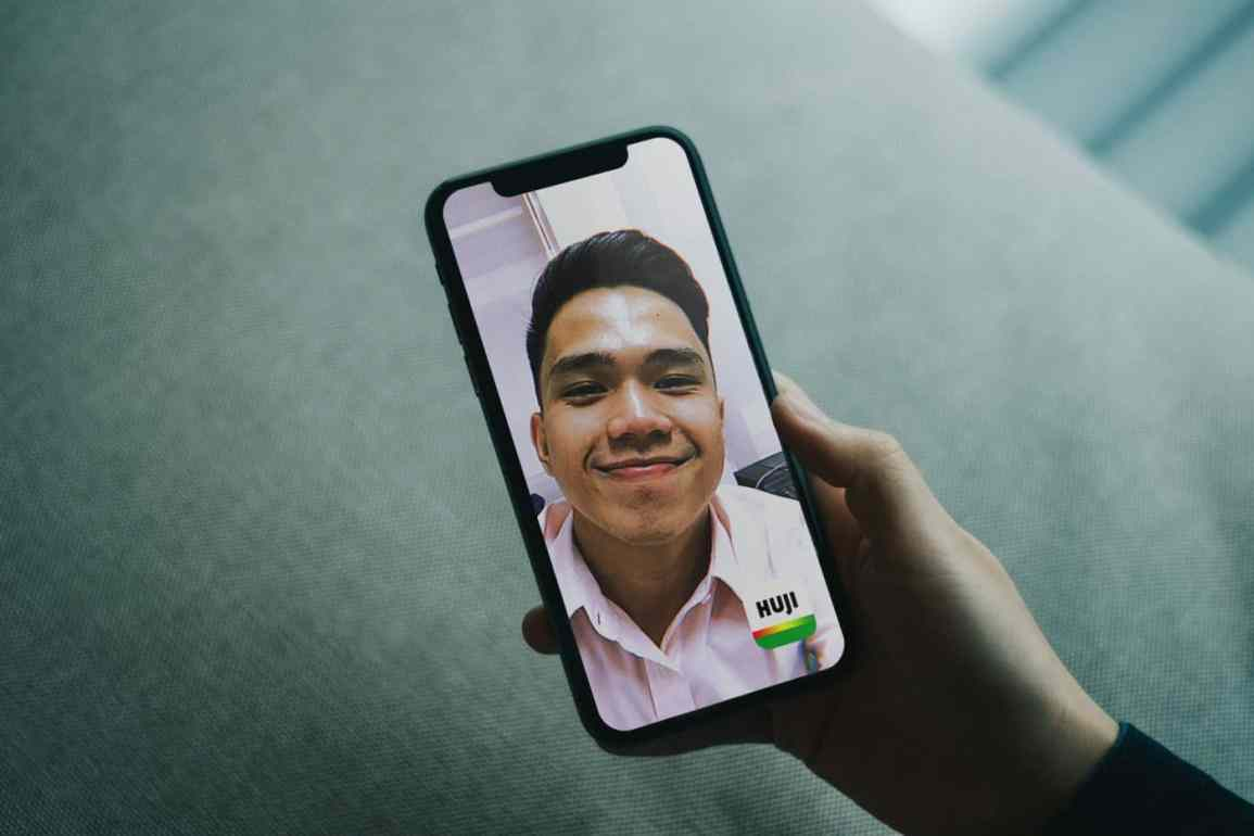 How to Take Selfies with Huji, and other Huji Cam Updates