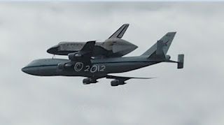 Space Shuttle Discovery Flies Over DC into Retirement #SpottheShuttle