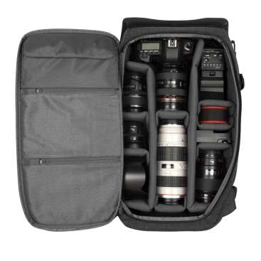InCase DSLR ProPack: Zippered Back Panel