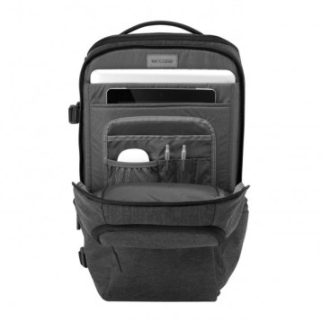 InCase DSLR ProPack: Padded Laptop Compartment