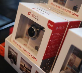 OlloClip camera lenses