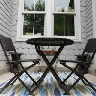 Adding a Pop of Color to Your Outdoor Living Space #PopofColor