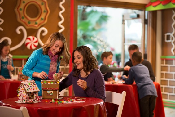 GT-Gingerbread-Decorating-04