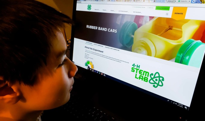 4-H STEM Lab Makes it Easy for Non-Engineers to Teach Engineering Concepts to All Ages