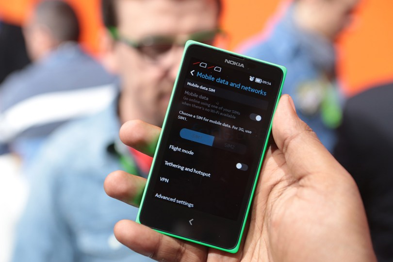Nokia XL specifications