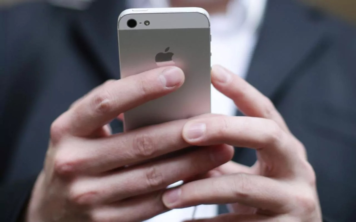 apple patents charging wirelessly