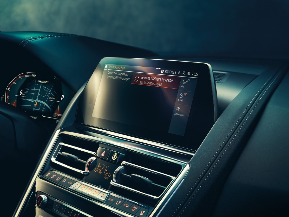 bmw-intelligent-personal-assistant-screen