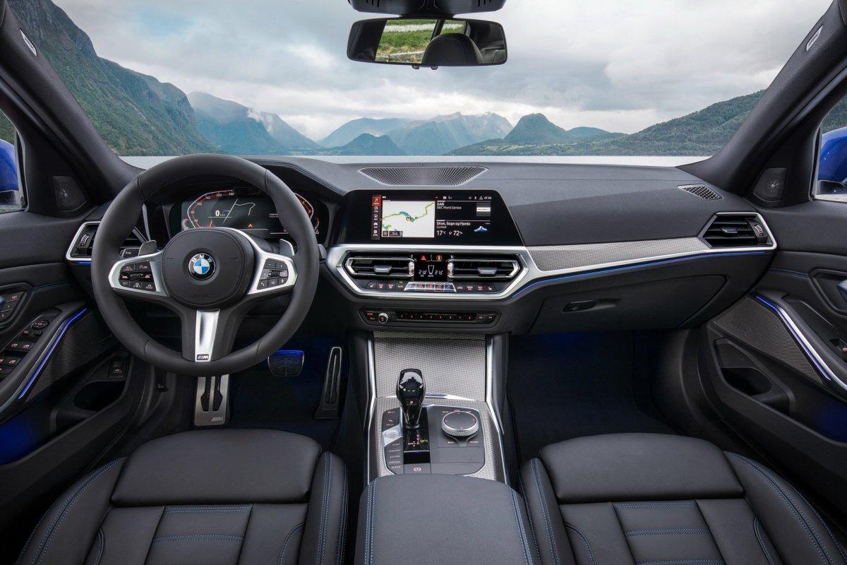 2019 BMW 3 series interior cabin