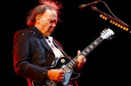Neil Young, blu-ray, iPad app, iPhone app, iTunes, music download