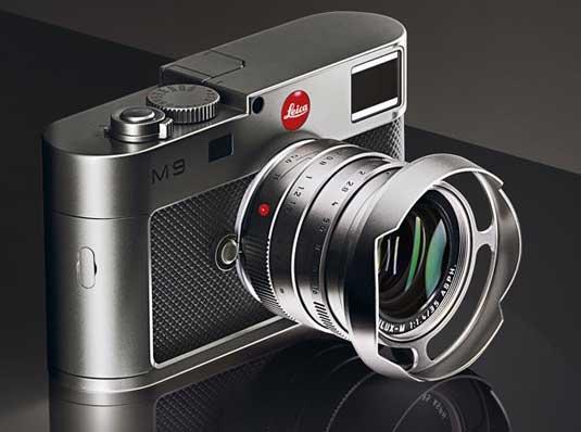Leica M9 Titanium, angle shot
