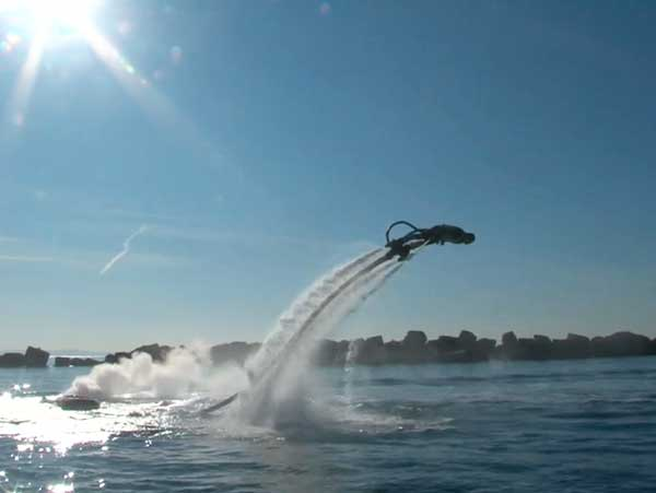 Zapata-Flyboard-diving